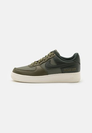 AIR FORCE 1 GTX UNISEX - Sneakersy niskie - medium olive/deepest green/sail/seal brown