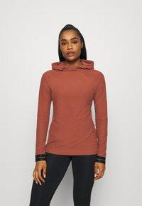 Nike Performance - Fleece jumper - claystone red/metallic gold - 0