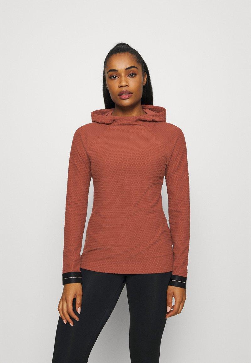 Nike Performance - Fleece jumper - claystone red/metallic gold