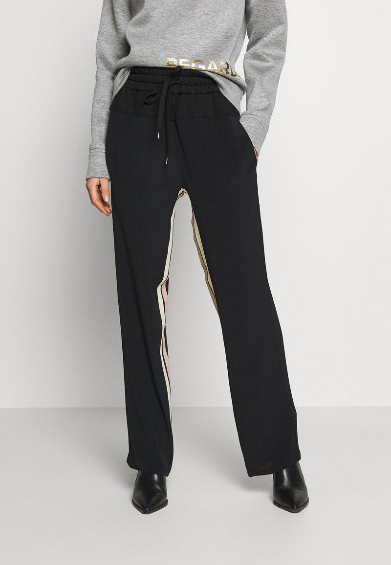 N°21 - Trousers - black