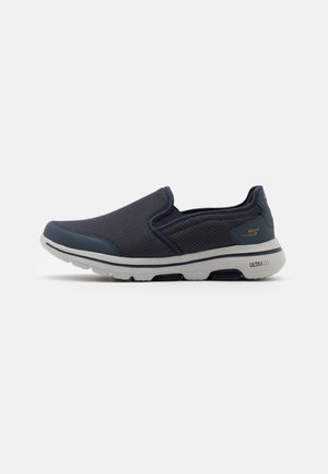 GO WALK 5 - Løbesko walking - navy/gray