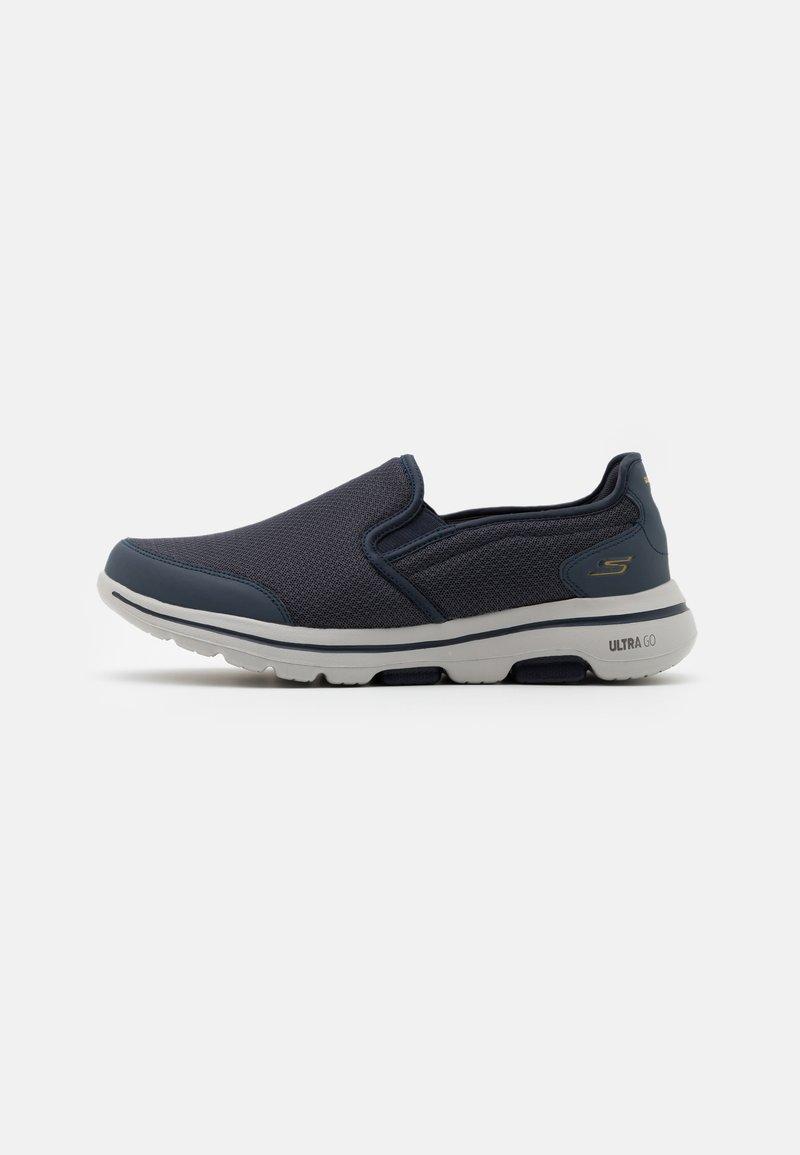 Skechers Performance - GO WALK 5 - Walking trainers - navy/gray