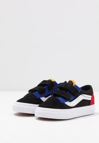 Vans - OLD SKOOL - Sneakers - black/true white - 3
