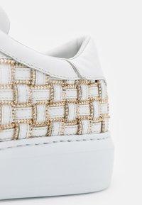 Steffen Schraut - CROSS ZIP STREET - Sneakers laag - white - 6