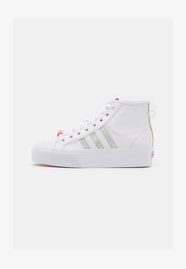 NIZZA PLATFORM MID - Sneakers alte - footwear white/true pink/core black
