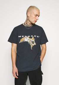 Mennace - FALLEN REGULAR - T-shirt con stampa - black - 0