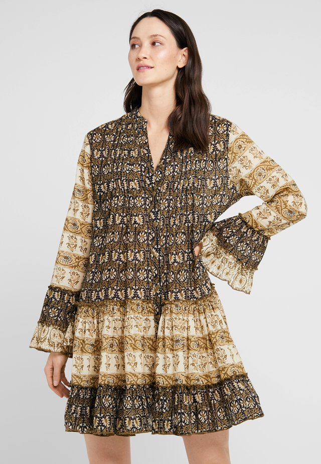 Vestido informal - brown
