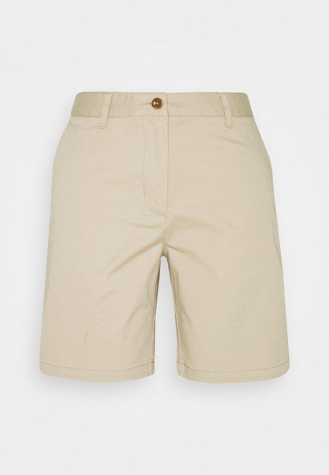 SLIM CLASSIC  - Shorts - dry sand
