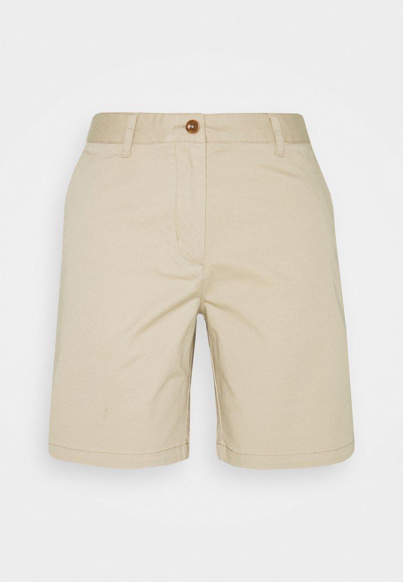 GANT - SLIM CLASSIC  - Shorts - dry sand