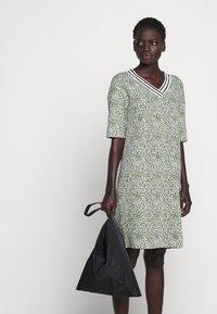 Marc Cain - Jersey dress - gelb - 4