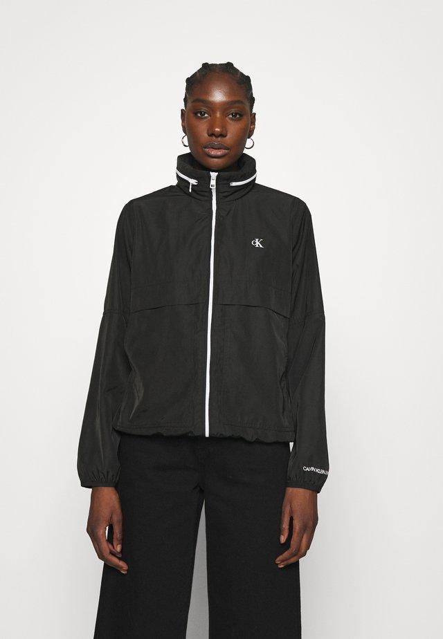 CONTRAST ZIP WINDBREAKER - Summer jacket - black