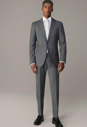 SET - Suit - medium grau