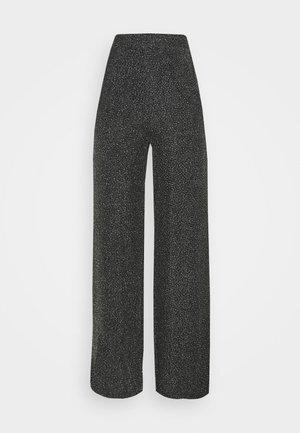 DAITHI TROUSERS - Spodnie materiałowe - grau/silber