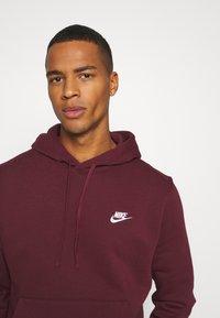 Nike Sportswear - CLUB HOODIE - Hættetrøjer - dark beetroot - 3