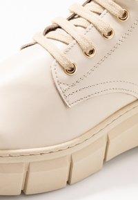 Kaltur - LOR - Platform ankle boots - beige - 5
