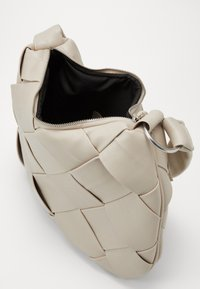 Topshop - HOBO - Handtasche - neutral - 4