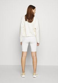 esmé studios - PAM SHORT LEGGINGS - Shorts - white - 0