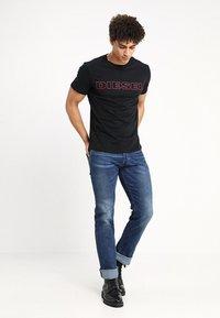 Diesel - UMLT-JAKE T-SHIRT - T-shirt print - black - 1