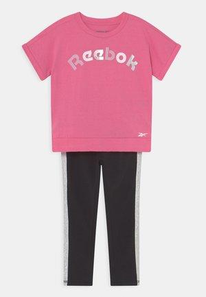 SET - Print T-shirt - pink