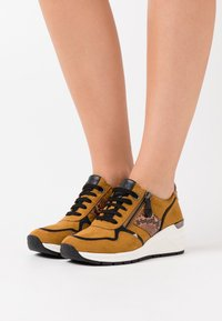 LOVE OUR PLANET by MARCO TOZZI - LACE UP - Sneakers laag - mustard - 0