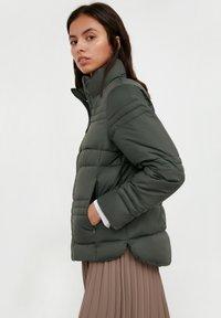 Finn Flare - Winter jacket - dark green - 3