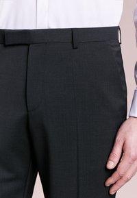 HUGO - SIMMONS - Oblekové kalhoty - dark grey - 3