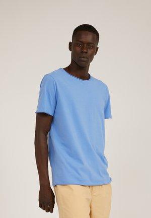 STIAAN - Basic T-shirt - dark cornflower