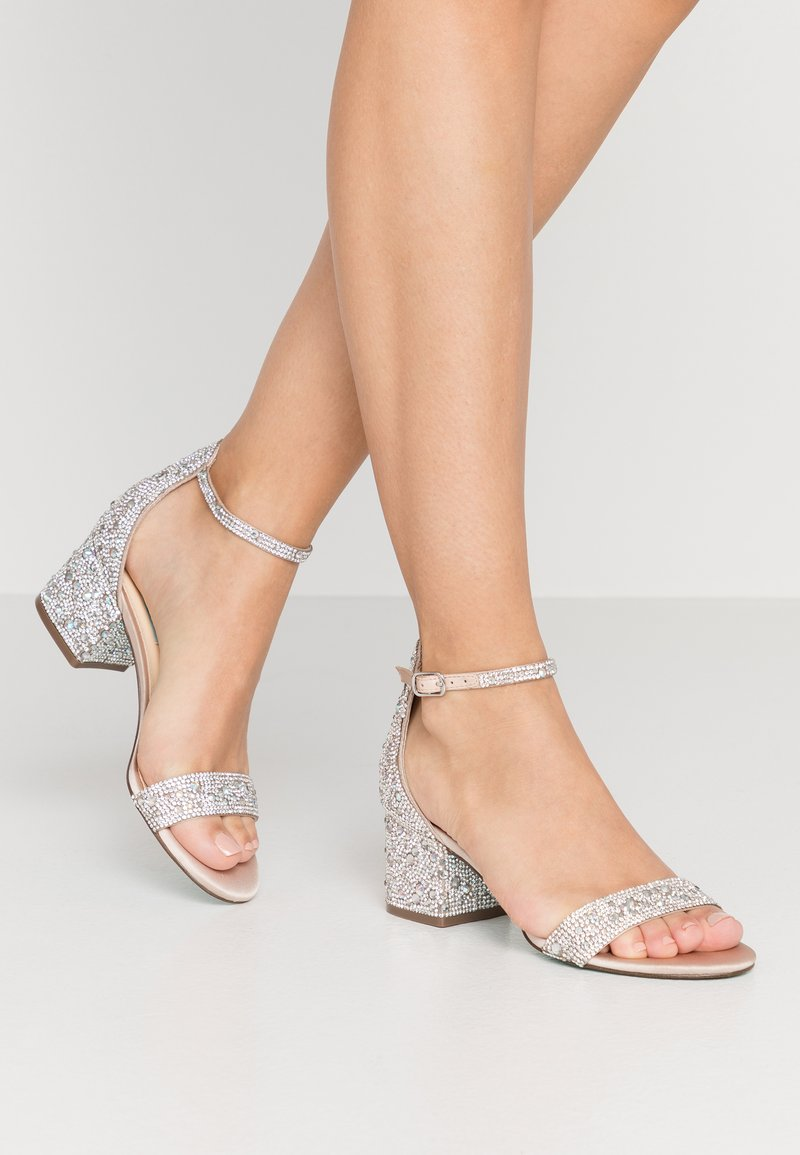 Blue by Betsey Johnson - MARI - Sandály - champagne