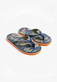 WE Fashion - T-bar sandals - army green - 0