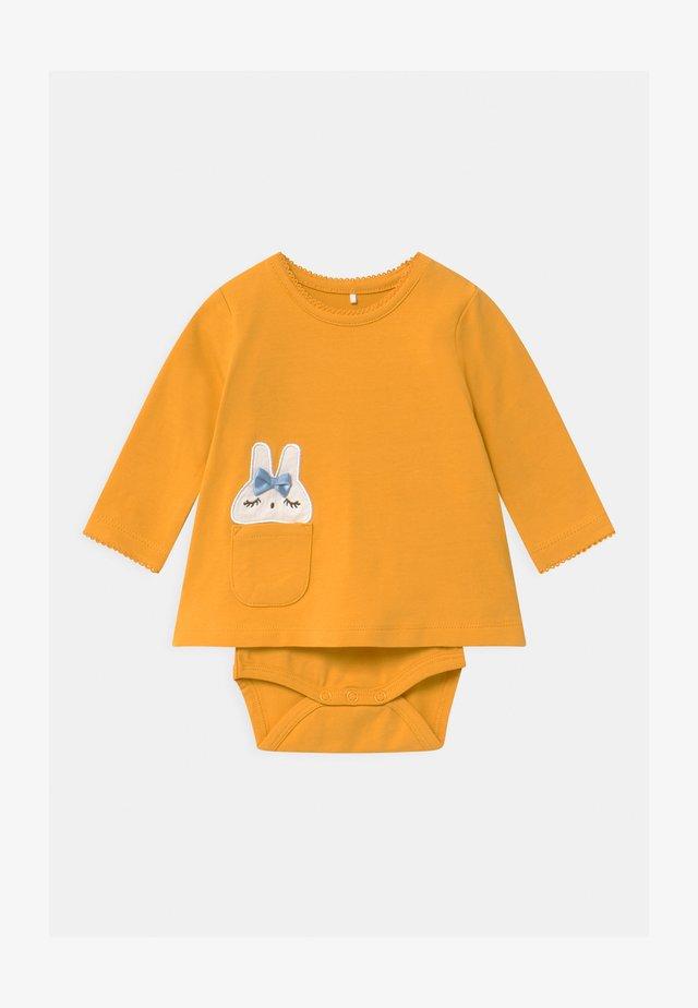 NBFTESS - Langærmede T-shirts - sunflower