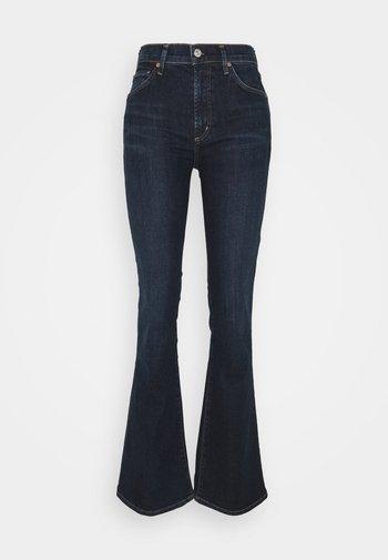 LILAH - Bootcut jeans - loveland