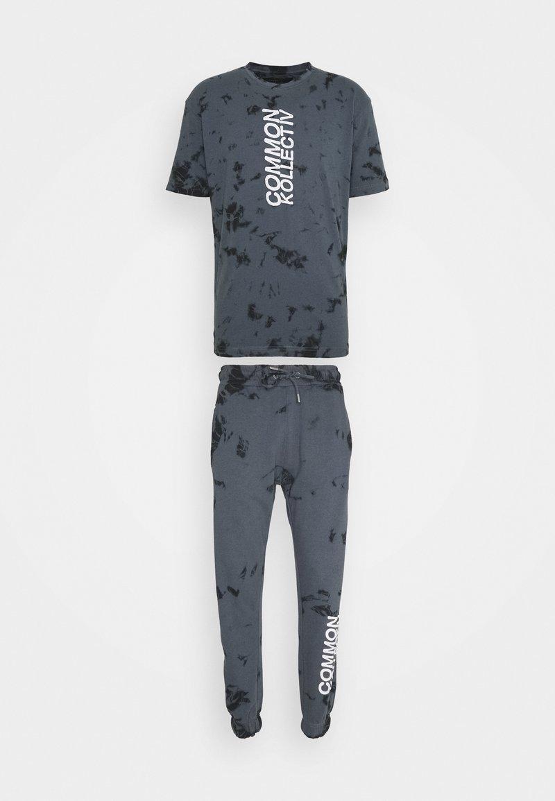 Common Kollectiv - ESSENSTIALS TIE DYE TRACKSUIT UNISEX - Print T-shirt - black