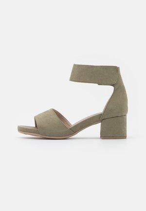 Sandals - pistachio