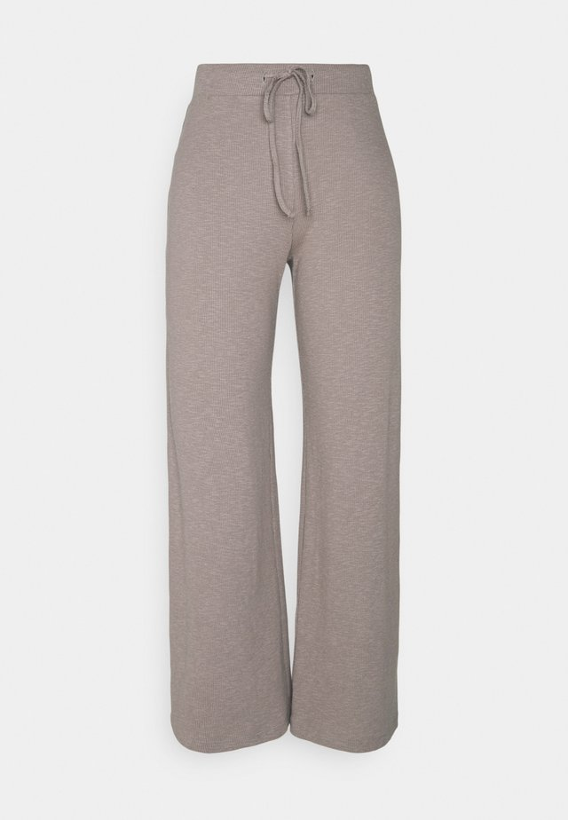 PCLASA WIDE PANT LOUNGE - Trousers - cinder