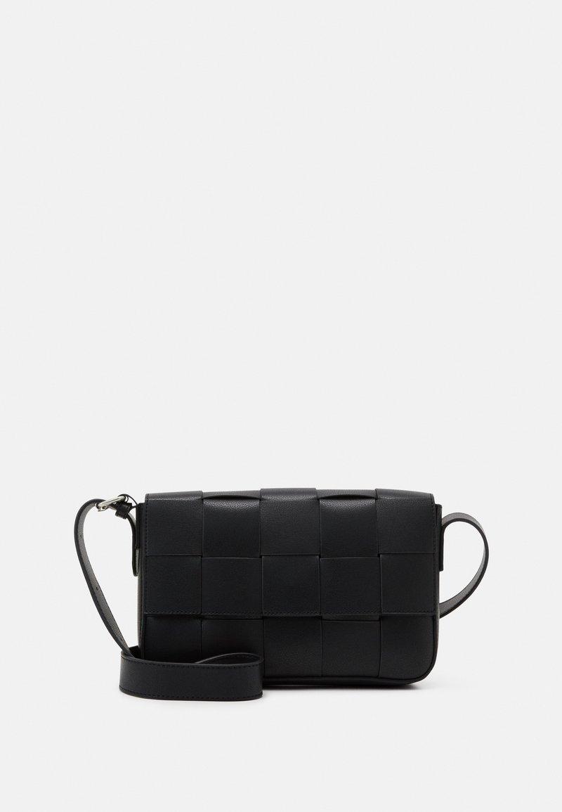 Gina Tricot - PEYTON BAG - Across body bag - black