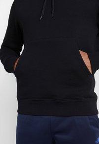 The North Face - HIGHEST PEAKS HOODIE - Bluza z kapturem - black - 4