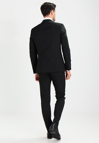 Selected Homme - SHDNEWONE PEAKLOGAN SLIM FIT - Puku - black - 2