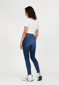 ARMEDANGELS - TILLAA X STRETCH - Jeans Skinny Fit - arctic - 2