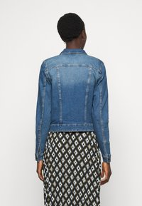 Noisy May Tall - NMDEBRA  - Jeansjakke - medium blue denim - 2