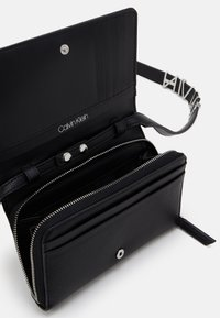 Calvin Klein - Across body bag - black - 2
