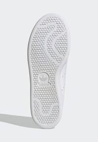 adidas Originals - STAN SMITH SHOES - Baskets basses - white - 5