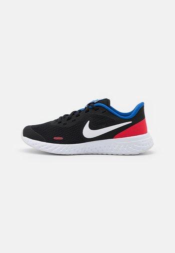 REVOLUTION 5 UNISEX - Neutral running shoes - black/white/university red/game royal