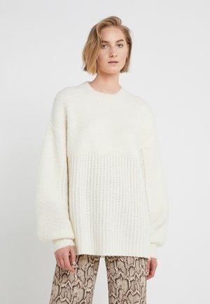 JOANNAS - Jumper - soft white