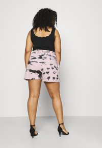 Missguided Plus - RIE DYE RUNNER - Shorts - pink - 2