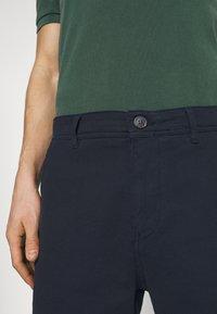 Selected Homme - SLHSTORM FLEX - Shorts - dark sapphire/mix black - 5