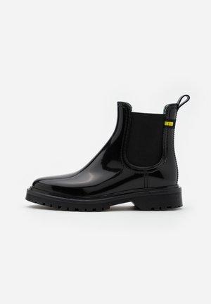 MAREN - Gummistøvler - black