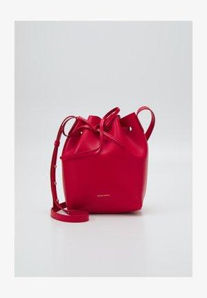 MINI BUCKET - Across body bag - poppy