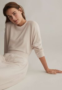 OYSHO - COMFORT FEEL  - Pyjama top - beige - 4