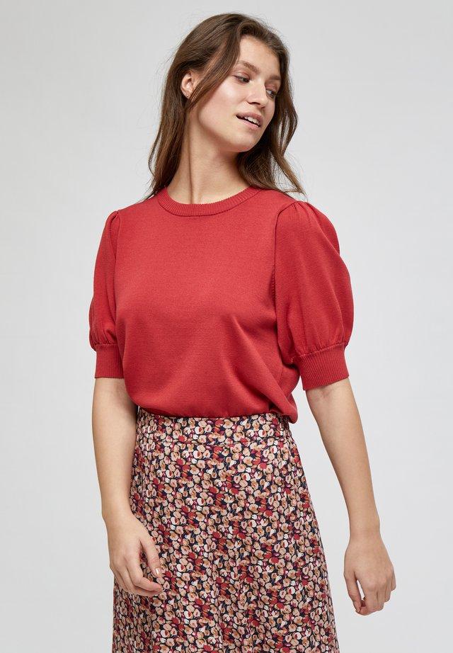 LIVA - T-shirt basique - berry red