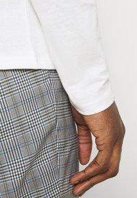 Marc O'Polo DENIM - LONG SLEEVE SMALL LOGO - Long sleeved top - scandinavian white - 4